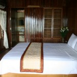 Deluxe gardenview beds Monkey Island Resort