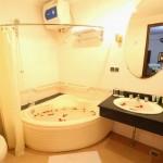 Phòng Tắm Deluxe Suite- Phòng Hội Nghị - Khách sạn Holiday View
