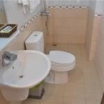 Phòng Tắm Lễ Tân Sảnh Phòng ROH Khách Sạn Hoàng Gia Minh