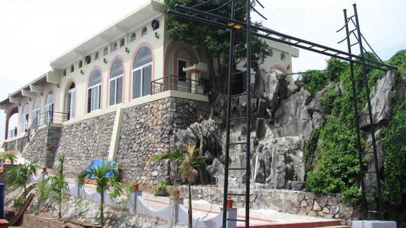 Khách sạn Le Pont Cát Bà